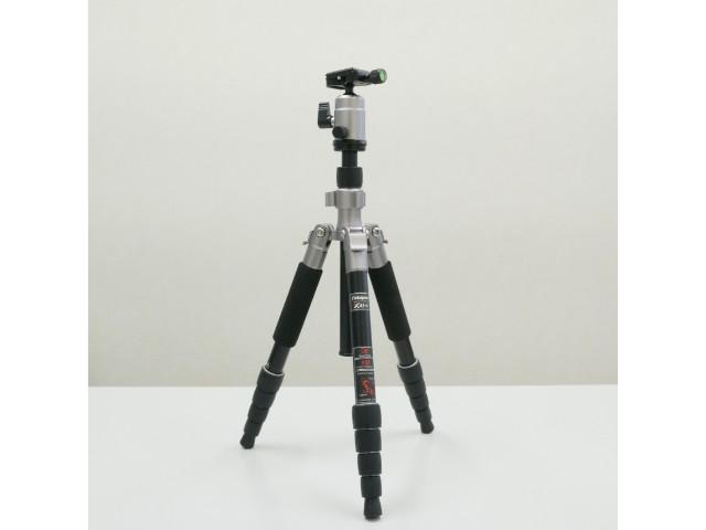 中古品 Fotopro X-4i-E 三脚