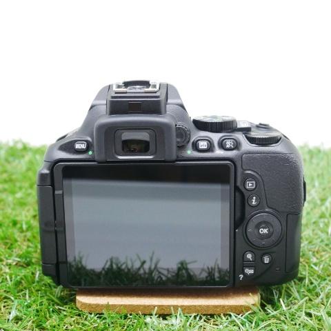 中古品  Nikon D5600 ダブルズームキット