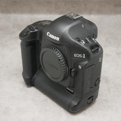 中古品 Canon EOS-1D MarkⅢ