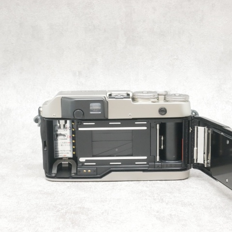 中古品 CONTAX G1 + Planar T*45mm F2(G) セット