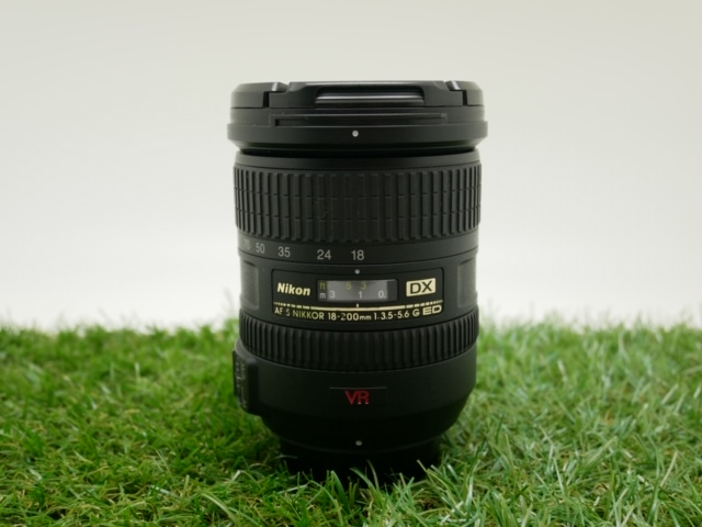 中古品 Nikon AF-S DX 18-200mm F3.5-5.6G IF-VR