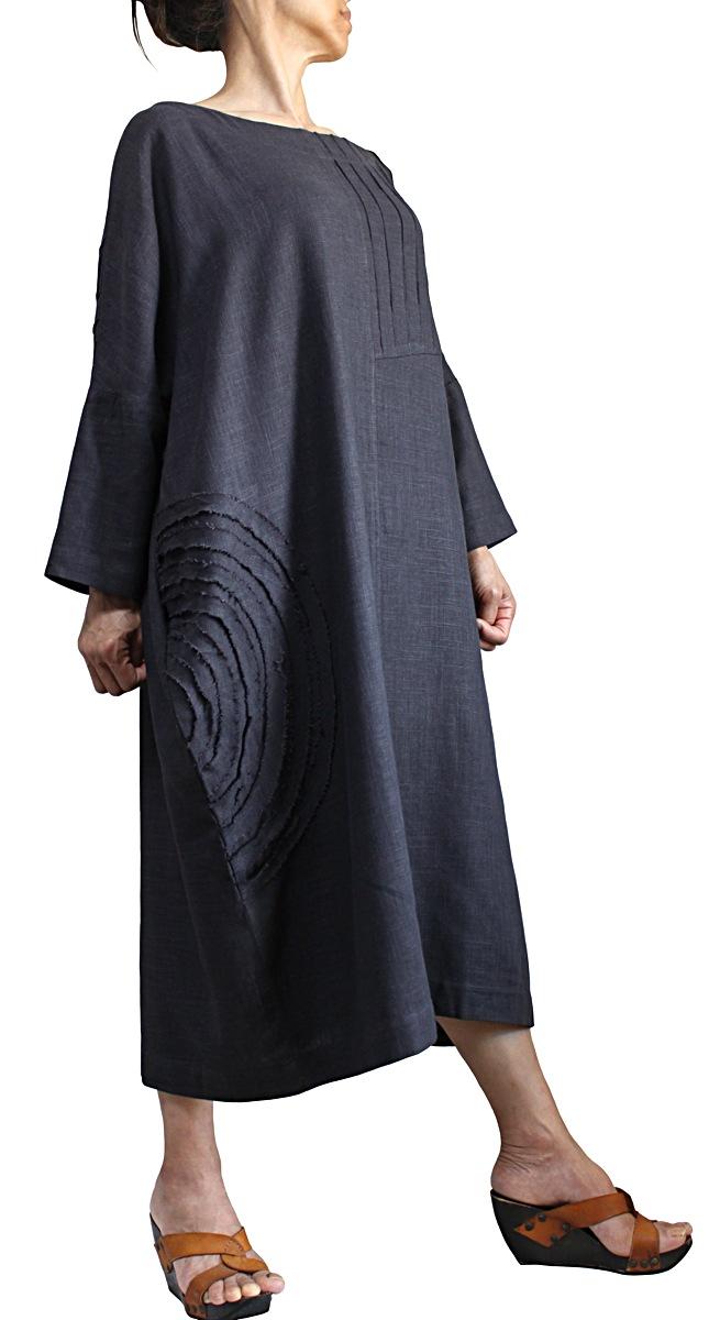 柔らかヘンプのモチーフタック入りドレス(墨黒)