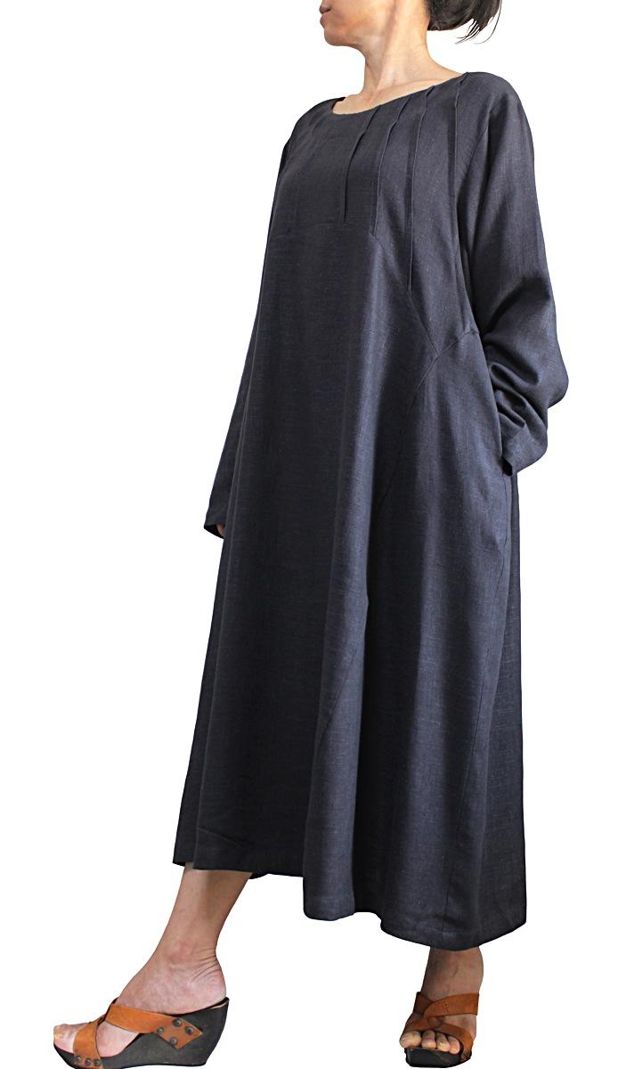 柔らかヘンプのタック入りドレス(墨黒)