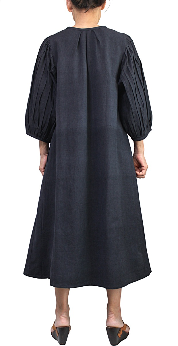 ジョムトン手織り綿の袖タック入りドレス(墨黒)
