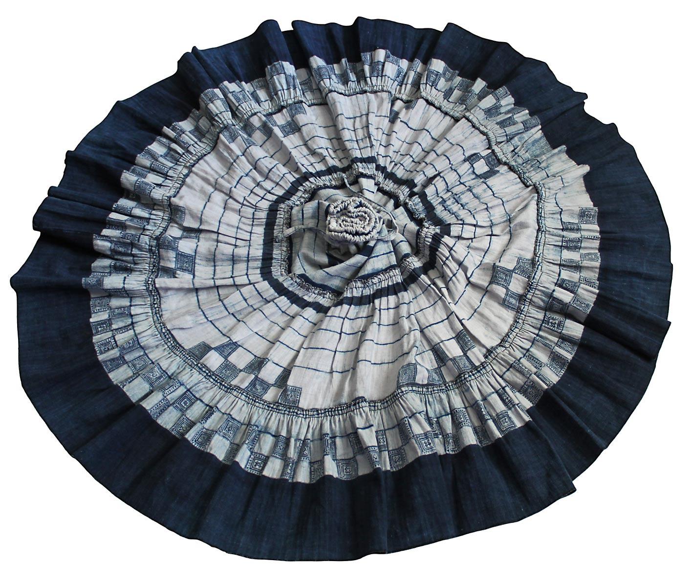モンのインディゴバティックヘンプスカート