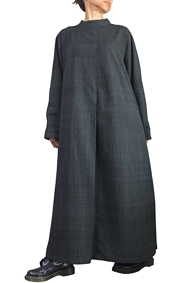 ジョムトン手織り綿ゆったりハイネックドレス(墨黒)