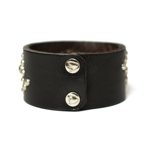 HTC Bracelet #25 Studs 1.25