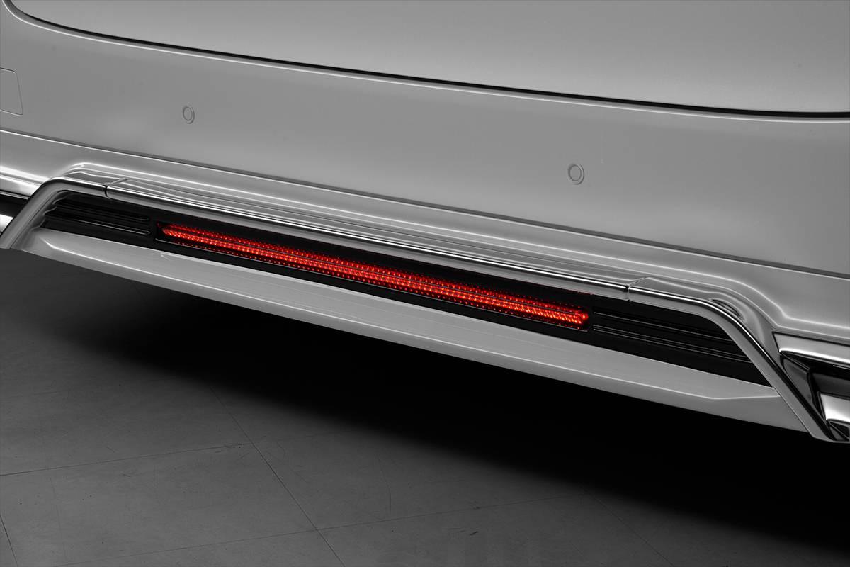 〔WALD〕TOYOTA(トヨタ)ALPHARD(アルファード)30系 H29.12〜 AYH30W AGH30W GGH30W S SC SR EXECUTIVE LINE リアスカート用LEDランプ〔ヴァルド〕
