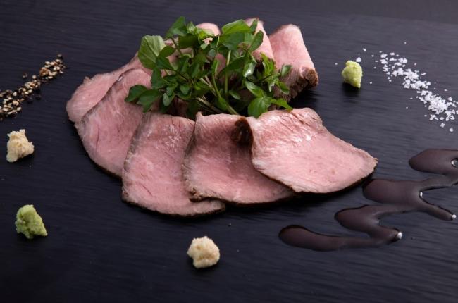 【冷凍ギフト】旨味を閉じ込めた宮崎牛のローストビーフ
