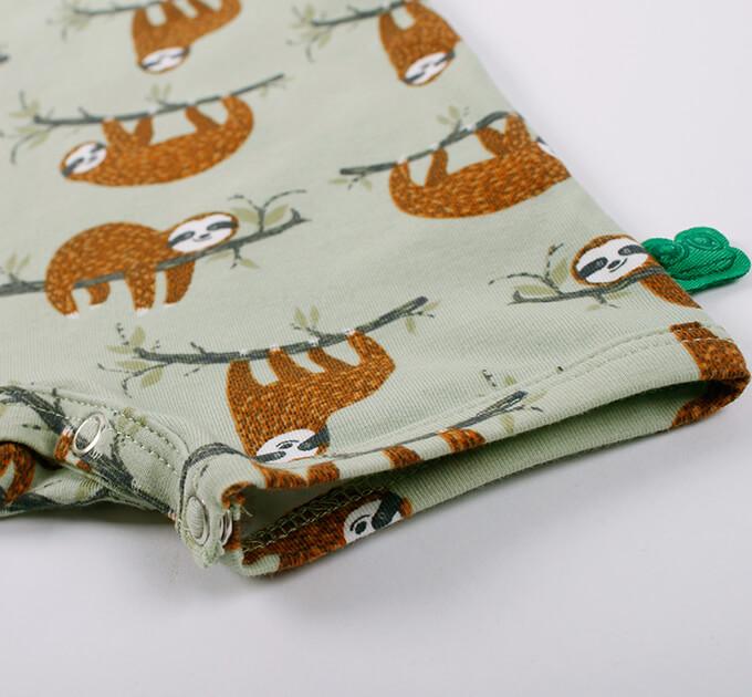 【40%OFF】グリーンコットン( Fred's world by Green Cotton )オーガニックコットン Sloth オーガニックコットンロンパース(Pale moss)