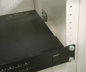 サーバーキャビネット W  専用オプション 19インチマウント取付金具