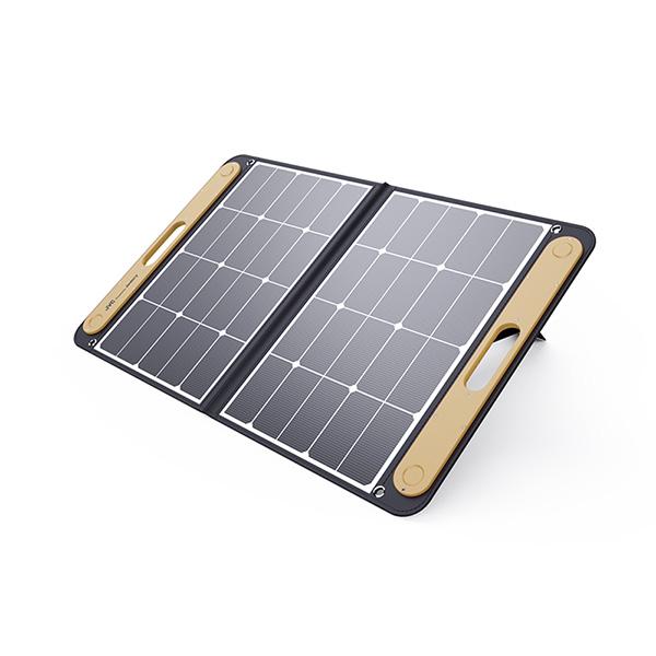 JVCポータブルソーラーパネルBH-SP68-C(最大出力:68W)| BN-RBシリーズに対応したポータブルソーラーパネル。ソーラーパネルを使えば太陽光でポータブル電源を充電。 ソーラーパネル(USB端子付き)から 直接スマートフォンやUSB機器を 充電・給電することも可能