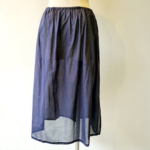 ランダムドットスカート
