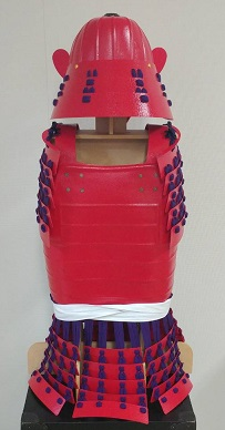 鎧・兜 組立キット 赤色二枚胴具足 武将『和』        鋳物風 塗装仕上げ