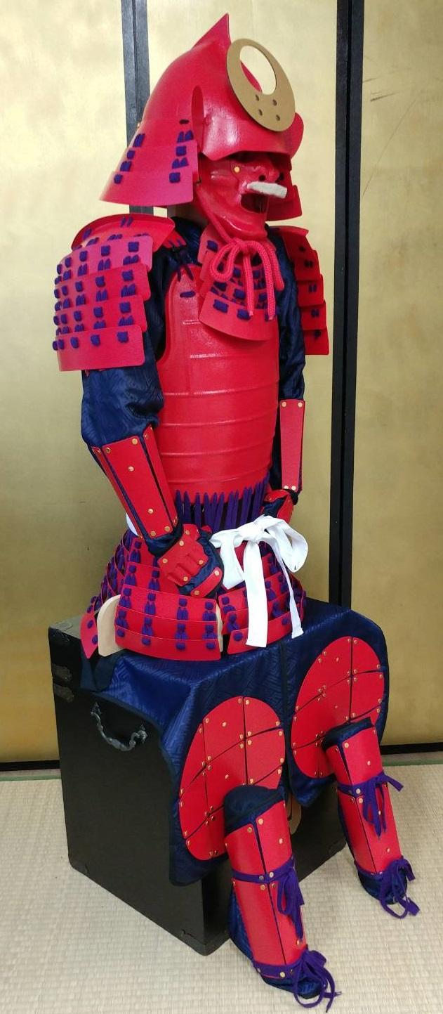 フルセット甲冑組立キット 赤色二枚胴具足 武将『桃形』    鋳物風 塗装仕上げ