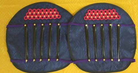 フルセット甲冑組立キット 黒色二枚胴具足 武将『桃形』    鋳物風 塗装仕上げ