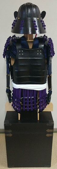 フルセット甲冑組立キット 子供用 黒色二枚胴具足      鋳物風 塗装仕上げ