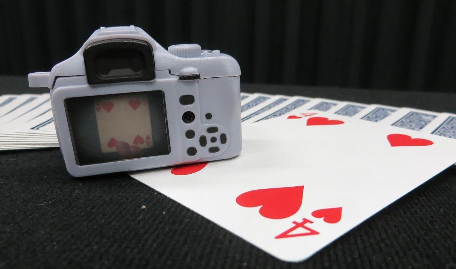 ミニカメラカードトリック