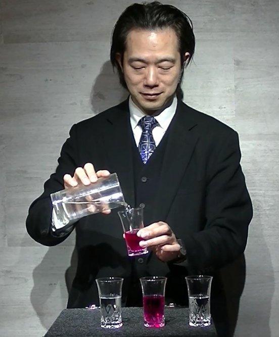 ワインと水 by上口龍生
