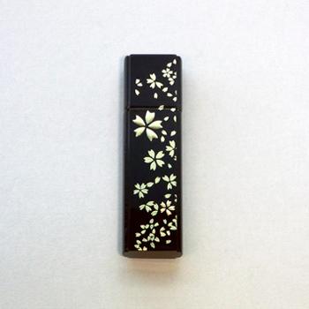 漆USBメモリー4GB(桜吹雪)