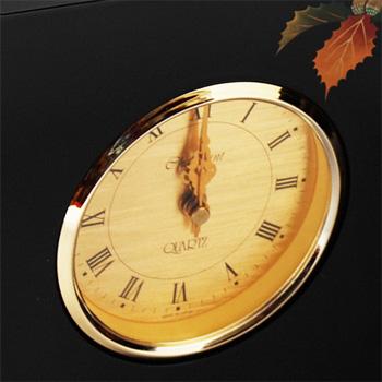 樫蒔絵屏風時計