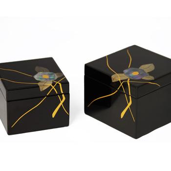 貝椿蒔絵入子小箱