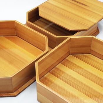 透きうるし熊野杉三段入子重箱