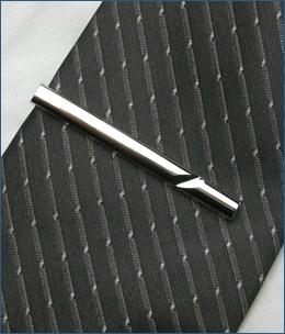 SV950-001ネクタイピン