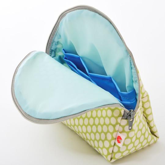 縦収納メイクポーチ スッと出し入れ 仕切り多い コンパクト 自立 ギフト 化粧 コスメ sussu グリーンドット