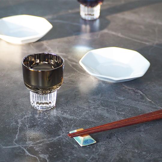 チタンジュエリーグラス おちょこ 宇宙開発技術 職人技術 お祝い お返し ギフト オリジナルボックス入り ガラス製 PROGRESS プログレス chic 全3色