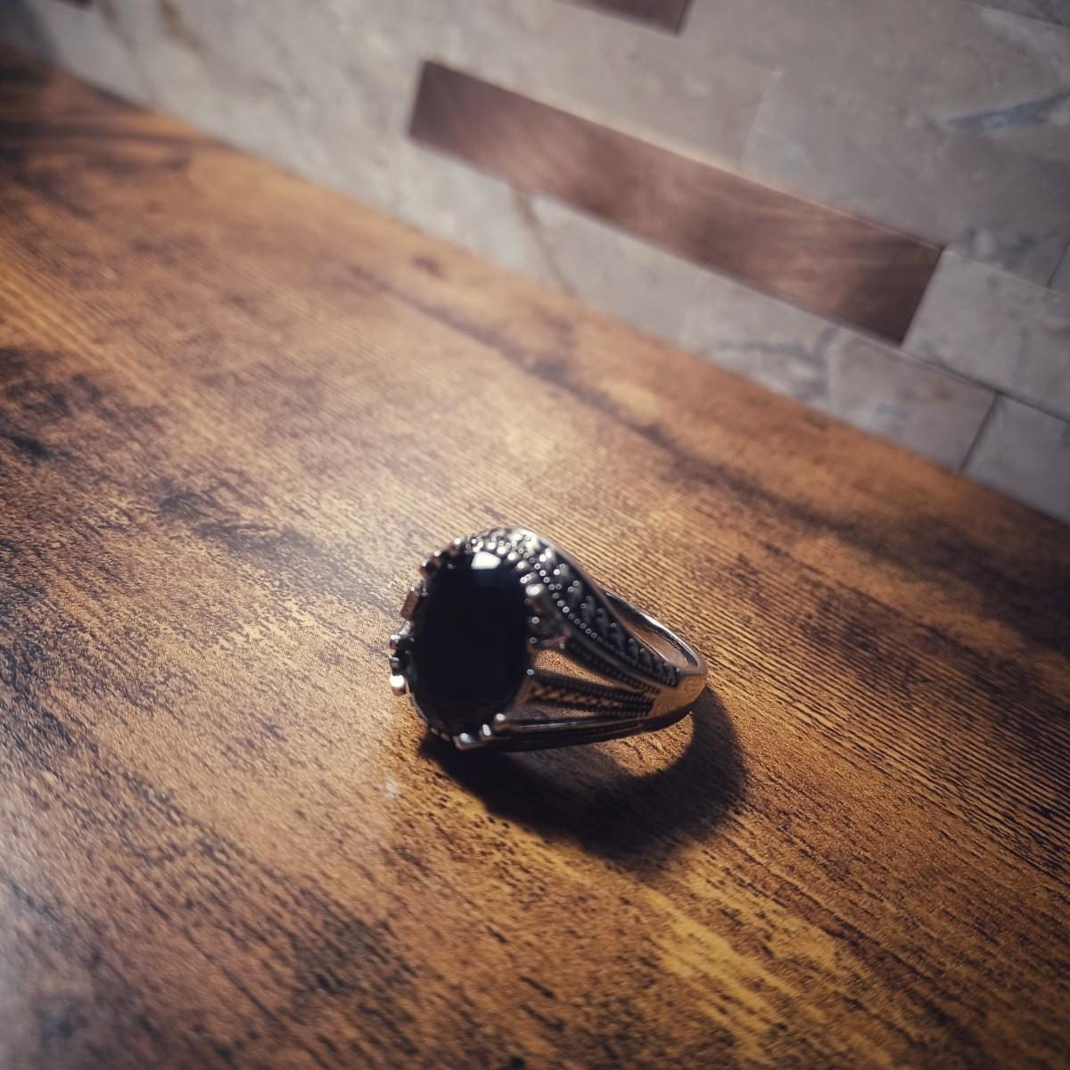 新品 ラグジュアリー 彫メンズ 指輪 シルバー ブラック オニキス風
