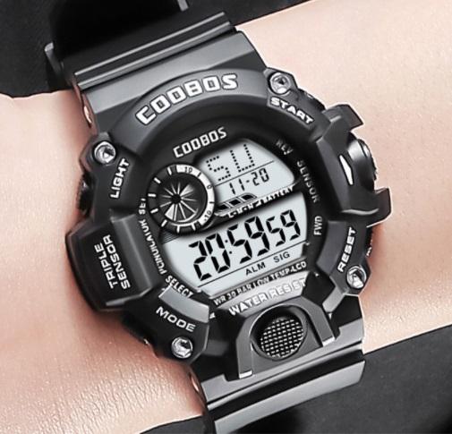 新品 送料無料 デジタル腕時計多機能 キッズ(ボーイズ)から大人まで 黒
