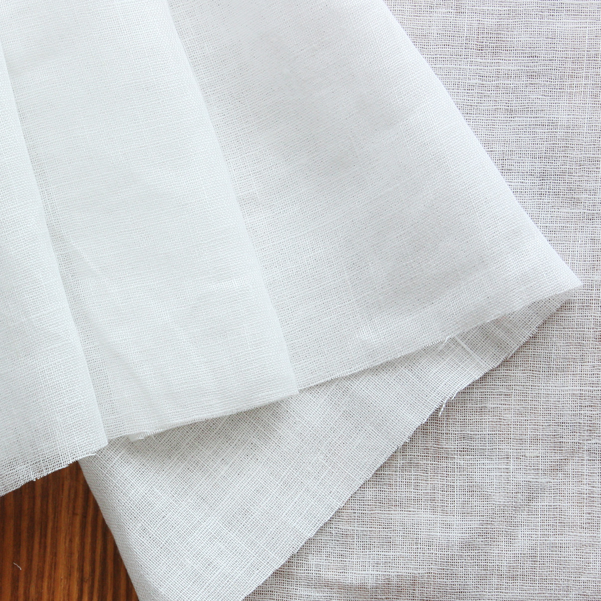 150cm巾【 リネン 100% 生地 】ホワイト 薄地 無地 1m単位 R0296 <旧品番 W-692> 【レースカーテン、カフェカーテンに最適】