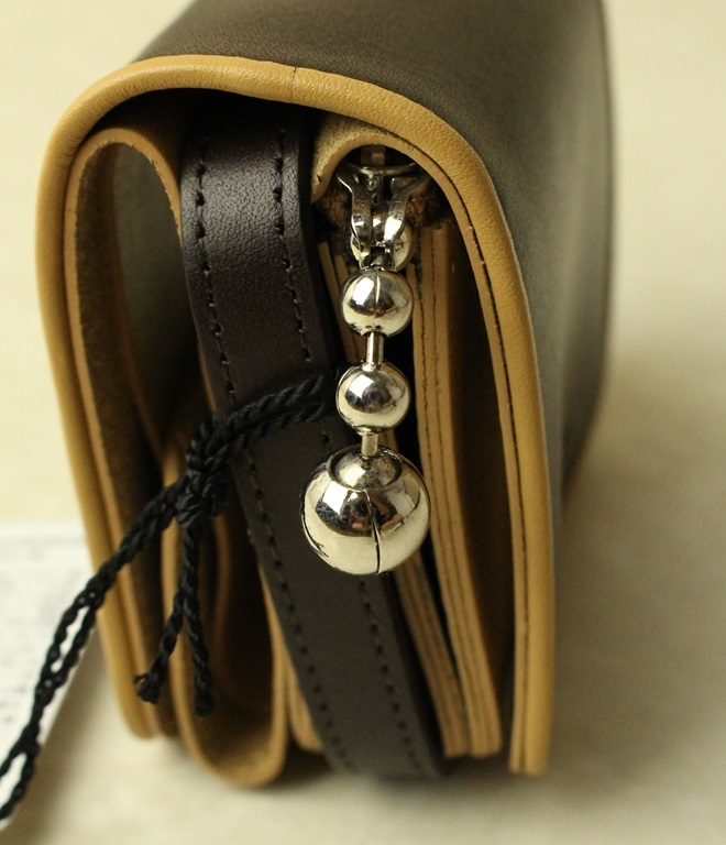 beautiful people ビューティフルピープル combi color ball chain compact wallet (r.brown×beige)