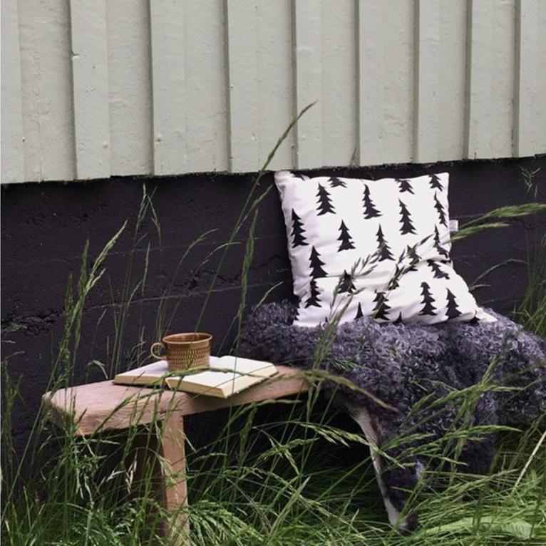 【綿100%】Fine Little Day モミの木柄 クッションカバー ブラック&ホワイト ファインリトルデイ 北欧 スウェーデン【ネコポスOK】