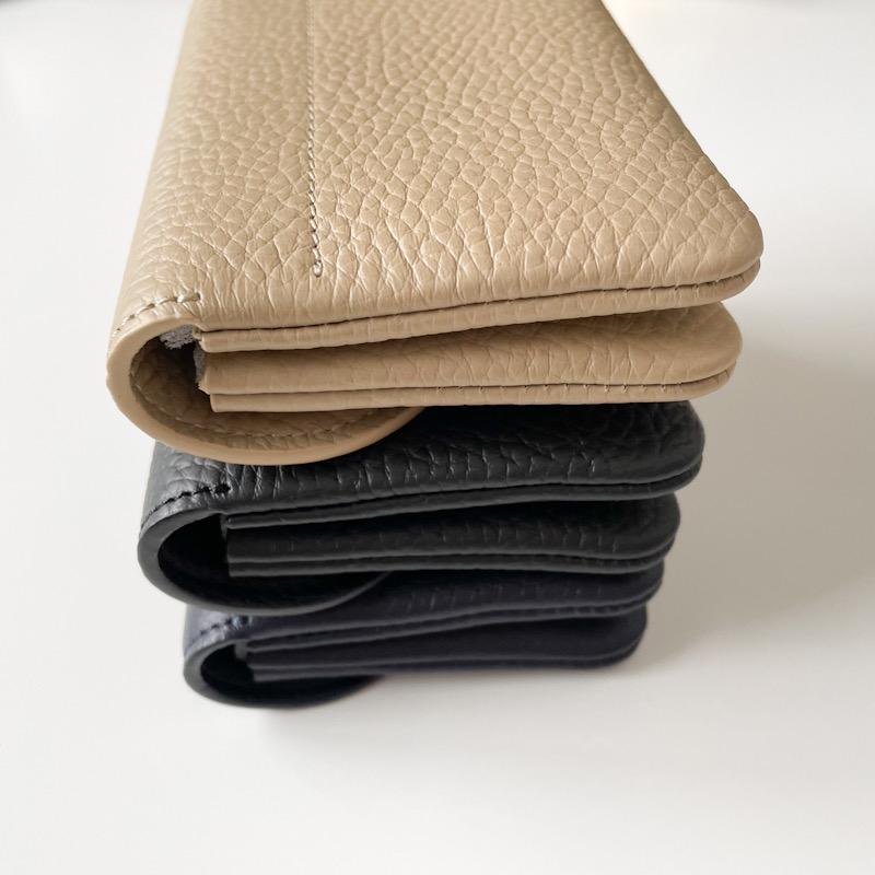 STUDIO LA CAUSE シュリンクレザー 内縫いフラップ カード&コインケース/ミニ財布 ネイビー 日本製