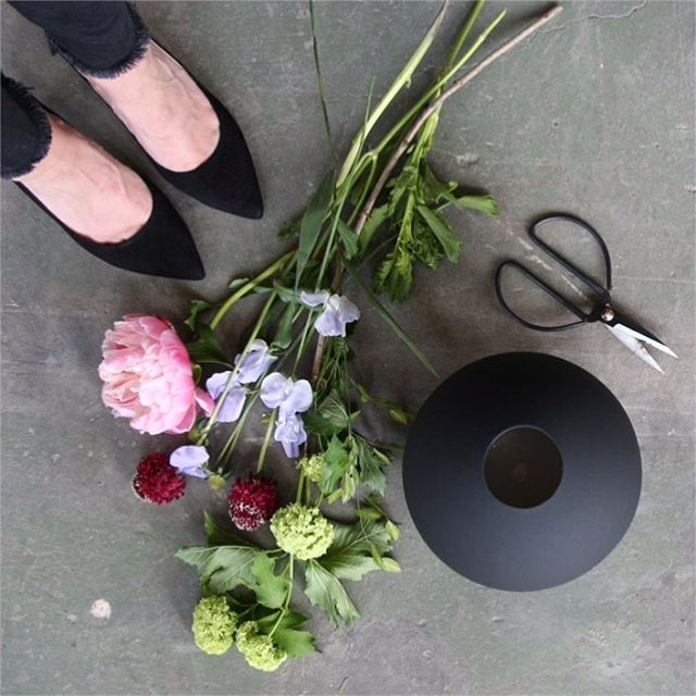 Cooee Design ボールフラワーベース 20cm ブラック 花びん 北欧 スウェーデン