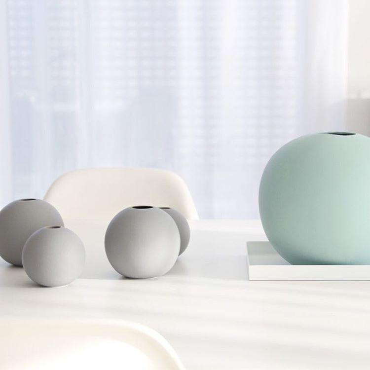 Cooee Design ボールフラワーベース 8cm グレー 花びん 北欧 スウェーデン