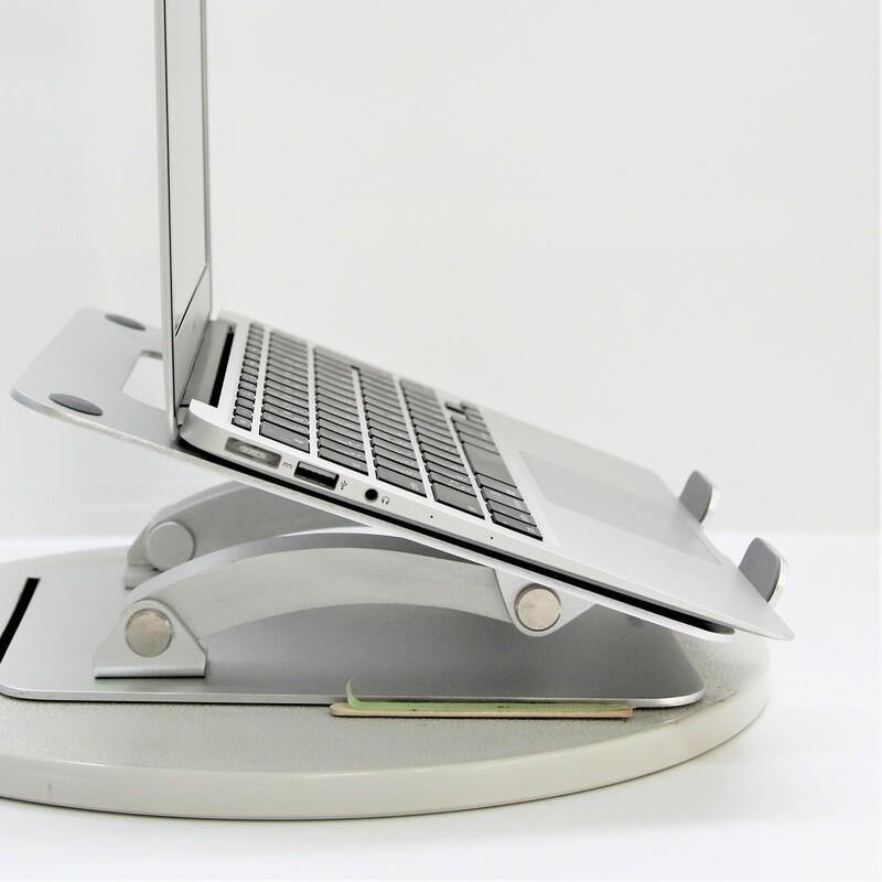 【美品】Apple MacBookAir6,1(Early 2014) macOS Catalina 10.15.3  Mobile Core i5 4260U (1.4GHz/DualCore/3MB) メモリ4GB 121GB SSD 11.6インチ