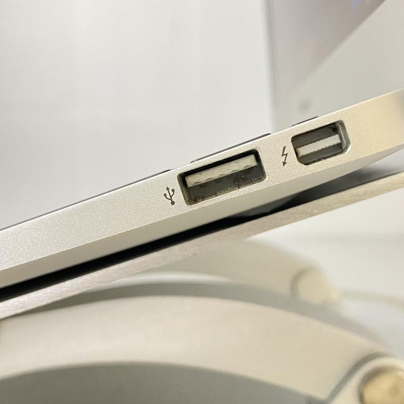 【良品】Apple MacBookAir6,1(Mid 2013)Catalina 10.15.7 Intel(R) Core(TM) i5-4250U CPU @ 1.30GHz メモリ4GB(2GB×2) 128GB SSD 11.6インチ