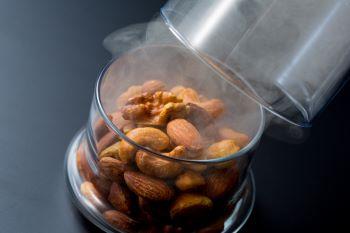 北海道 札幌 ススキノ オズ 燻製屋のミックスナッツ コロナ 対策 応援