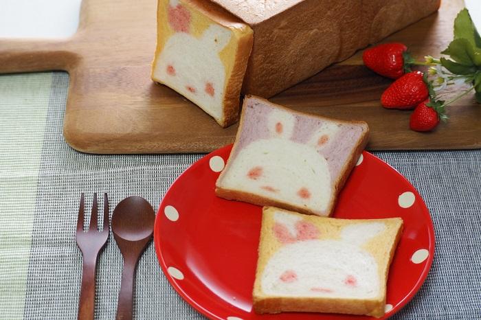【うさぎ食パン】