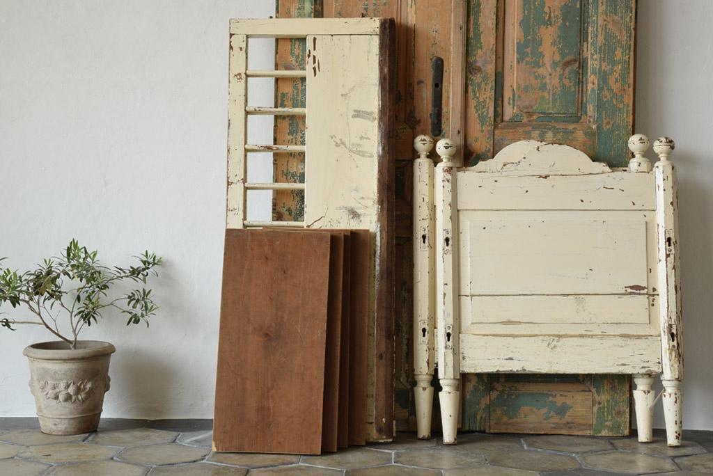 イギリス 木製ベビーベッド