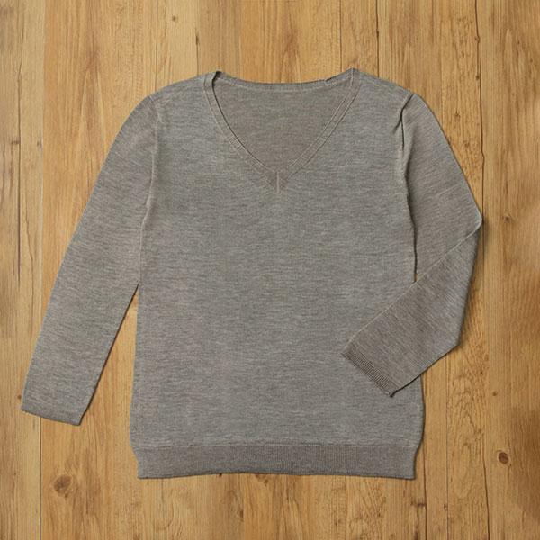数量限定 シルク100%無縫製長袖ニット