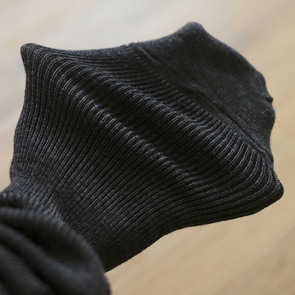 絹ウールリブ編みハイソックス