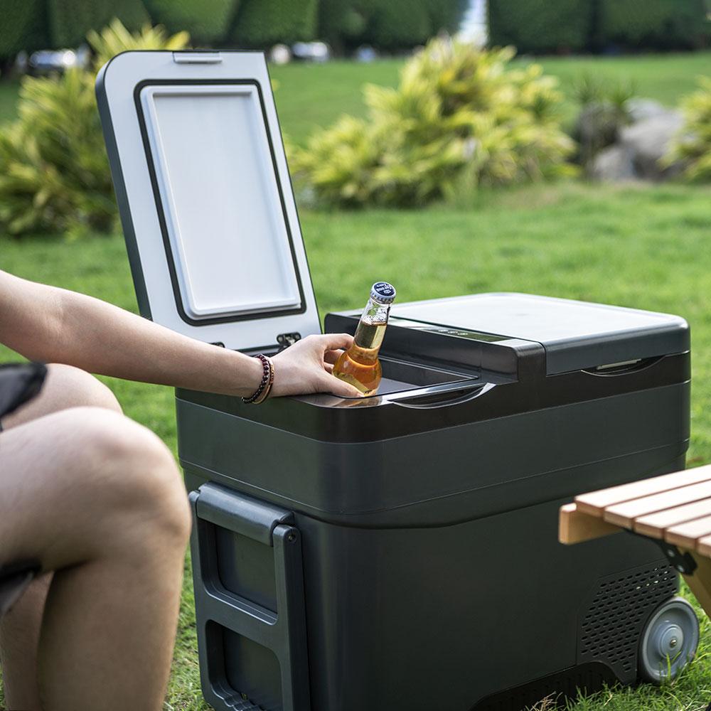 冷凍・冷蔵を別々で温度キープ!-22℃まで冷やせる車載冷蔵庫でどこでも贅沢な時間