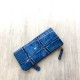 VIA DOAN/ドアン/ラージクロコ965ブルー