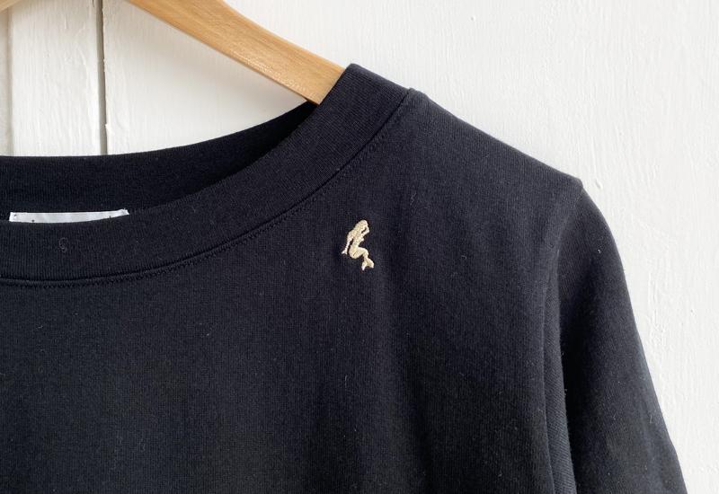 マーメイド刺繍入りhigh density jersey ボートネックシンプルプルオーバー