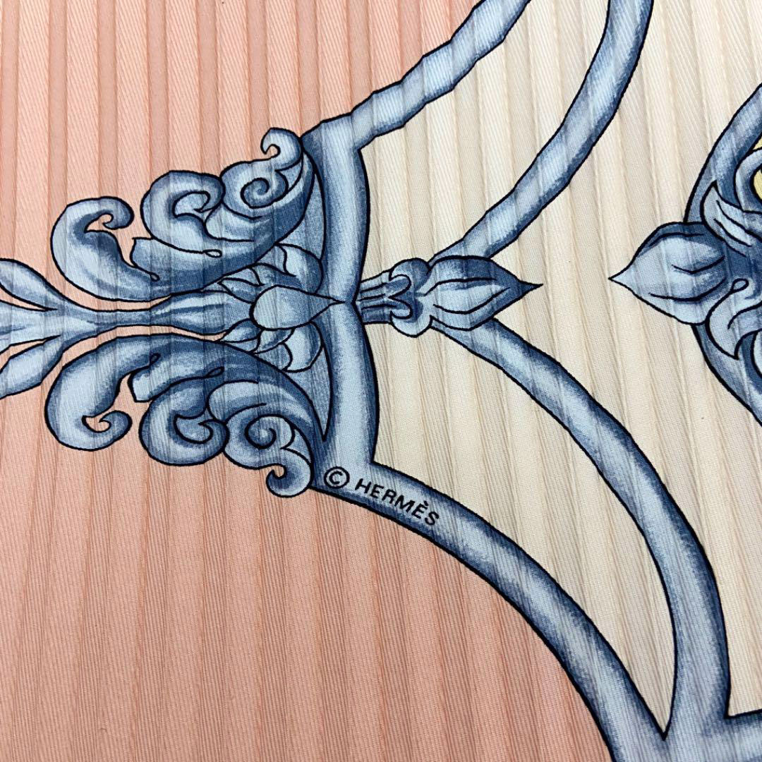 HERMES エルメス プリーツスカーフ  『LES CHEVAUX DES MOGHOLS(ムガル王朝の馬)』 シルク ピンク