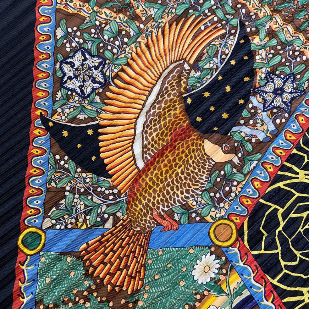 HERMES エルメス プリーツスカーフ 『AXIS MUNDI(世界の中心軸)』 ブラック マルチカラー